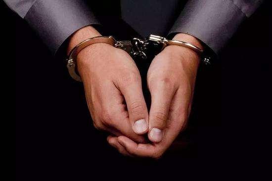 I delitti di esercizio arbitrario delle proprie ra...