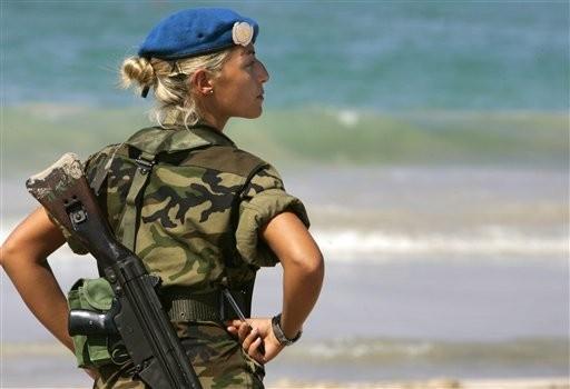 A MULHER MILITAR E SUA INTEGRAÇÃO NAS FORÇAS ARMAD...