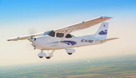 Un aereo da turismo di proprietà di una Associazio...
