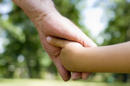 Il diritto di nonni di instaurare e mantenere rapp...