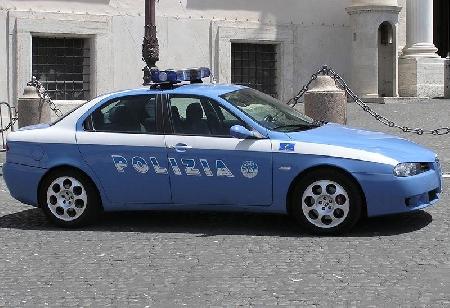 Poliziotto coinvolto in un sinistro stradale. Asso...