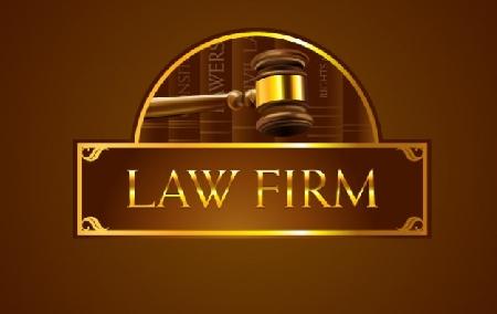 Avvocato impedisce al collega di entrare in studio...