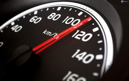 Rivenditore di auto condannato: l'auto ha i chilom...